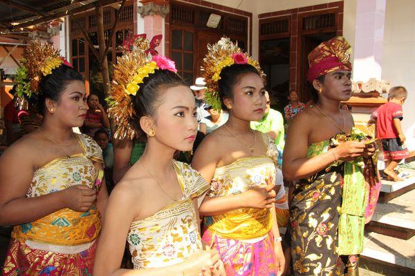 Bali Zahnschleifzeremonie
