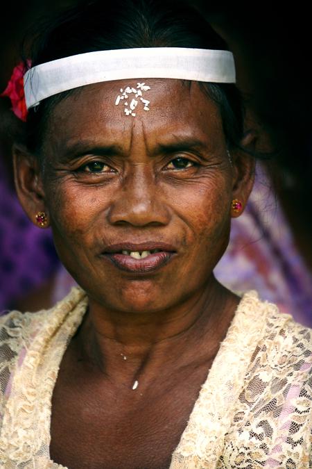 Balifrau bei einer Zeremonie