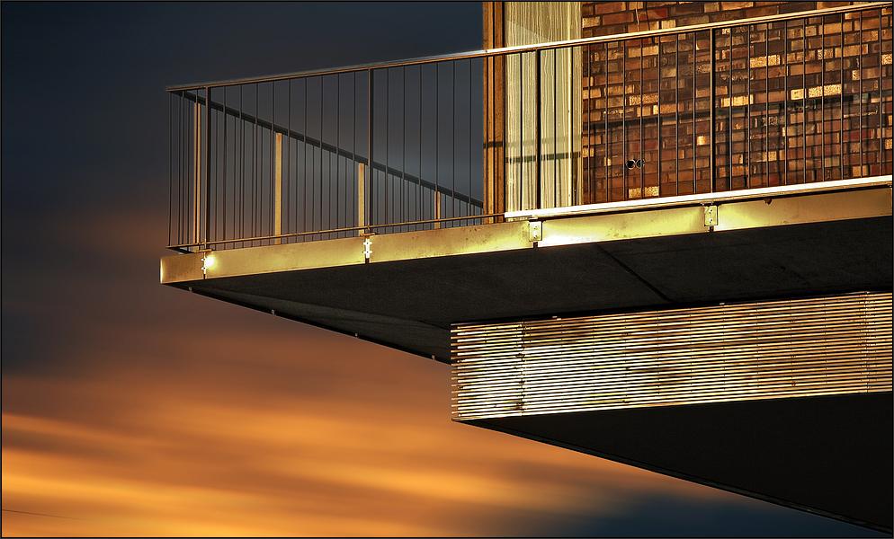 * Balkon *