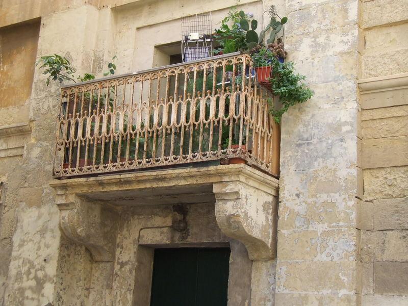 Balkon so old