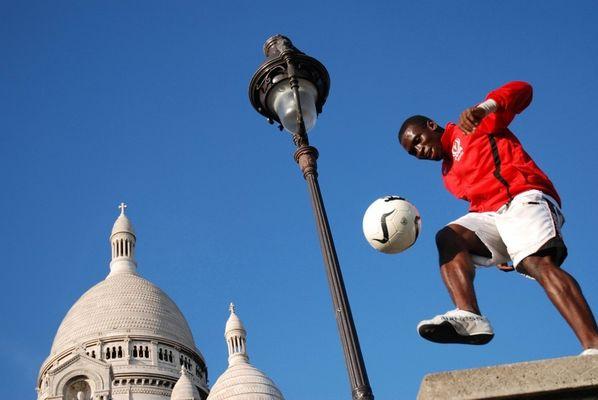 Ballon rond à Montmartre