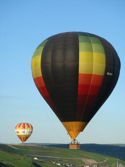 Ballone über dem Ahrtal