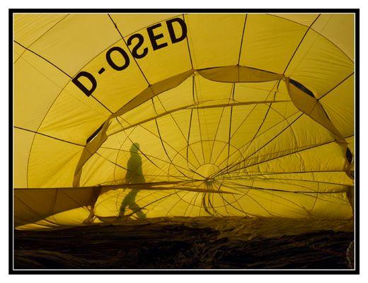 Ballonfahrer vor der Fahrt....