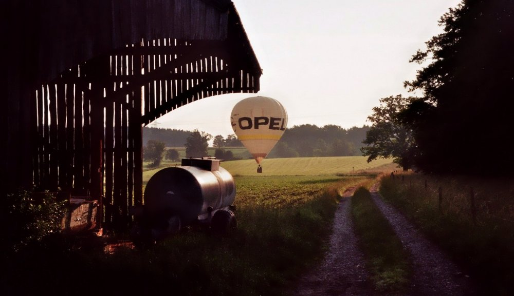 Ballonfahrt am Morgen ....... O