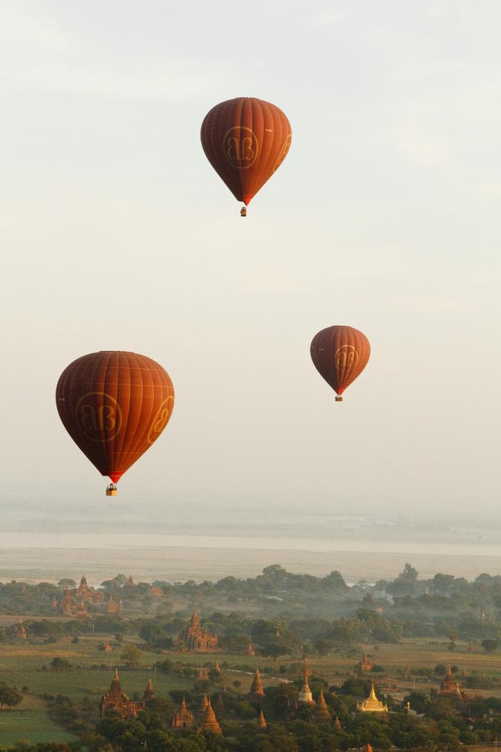 Ballons over Bagan 1