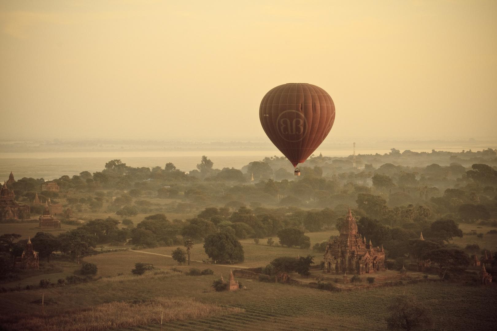 Ballons over Bagan 2