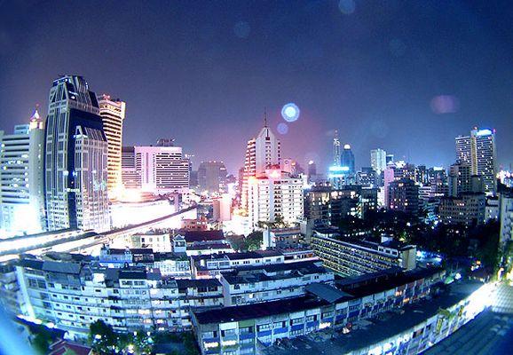 .: Bangkok at night :.
