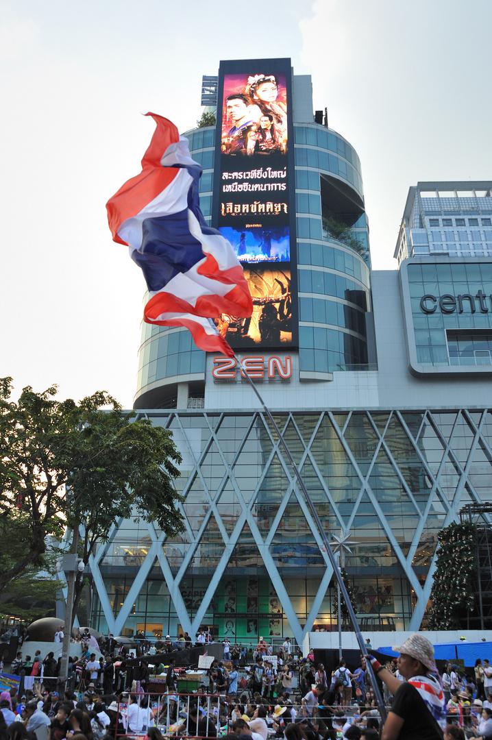 Bangkok shut down 01
