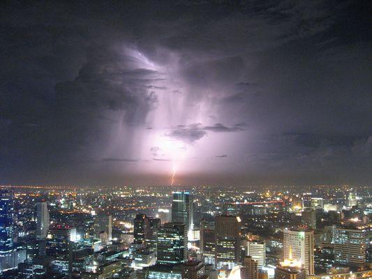 Bangkok: Thunderstorm