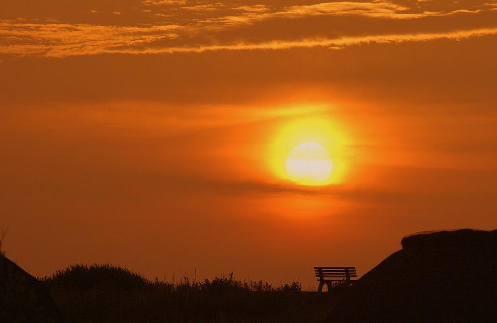 Bank im Sonnenuntergang