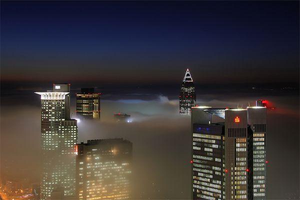 Banken im Nebel