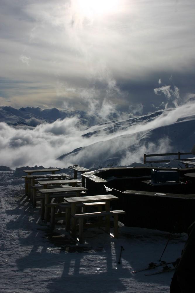 Bar über den Wolken