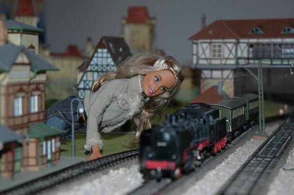 Barbie meets Märklin (1)