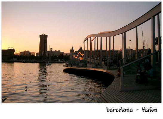 barcelona - Hafen bei untergehender Sonne