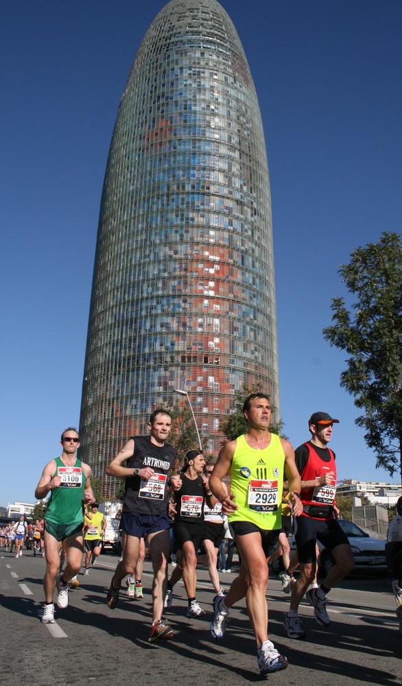 Barcelona Marathon 2008 - MARATO BARCELONA 2008 - Torre Agbar - Foto 3