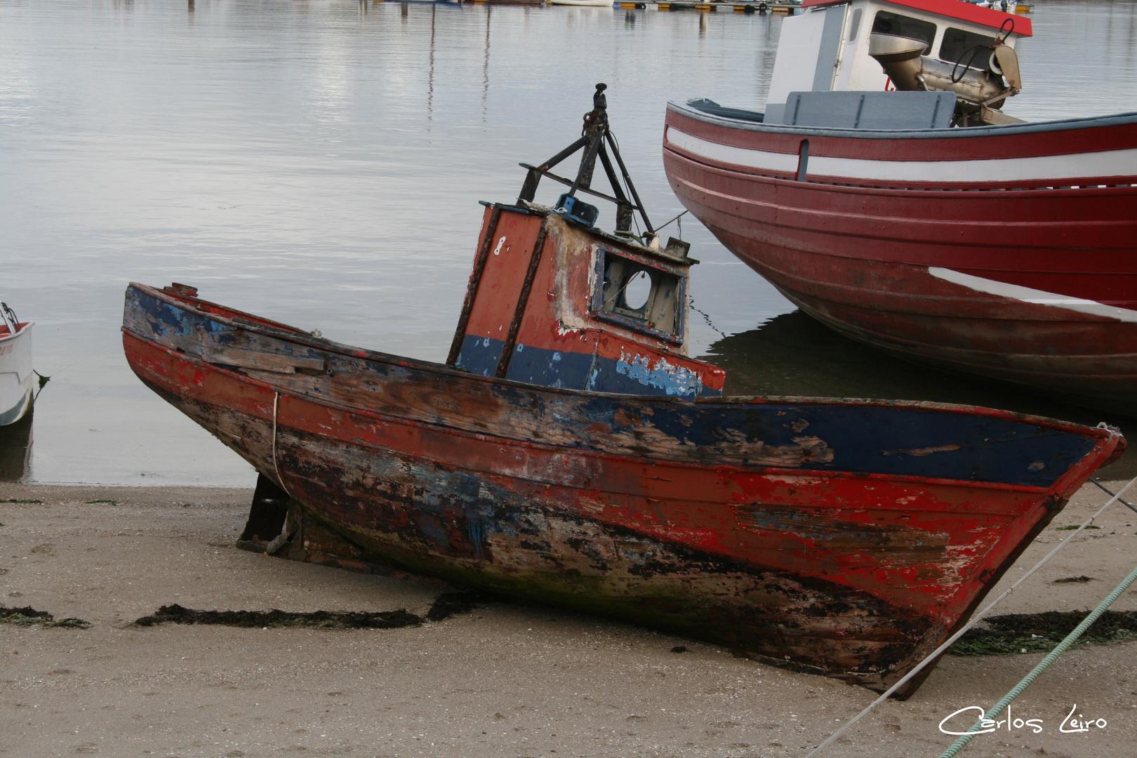 Barco en la playa. Cambados