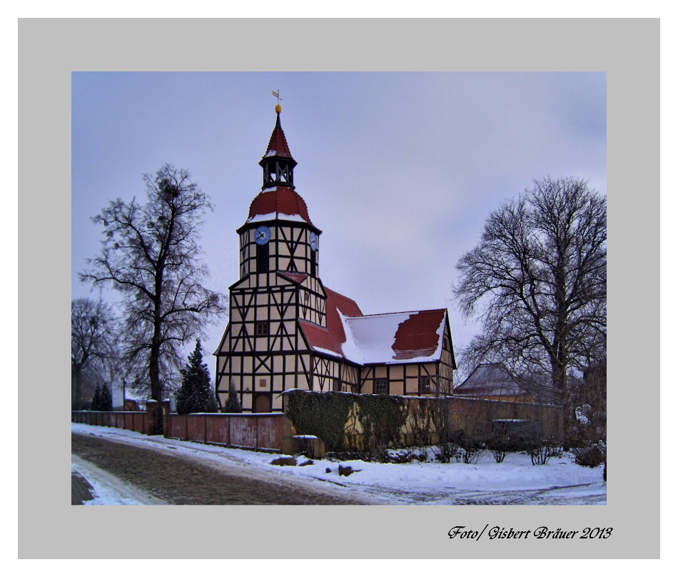 Barocke Fachwerkkirche / im Winterschlaf