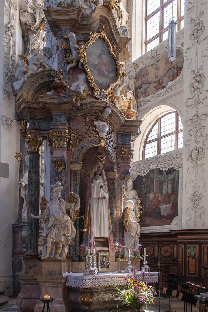 barocke Mariendarstellung in der Klosterkirche Neuzelle