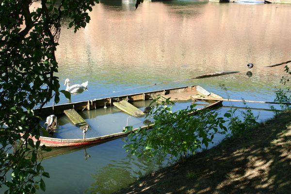 barque sous l'eau