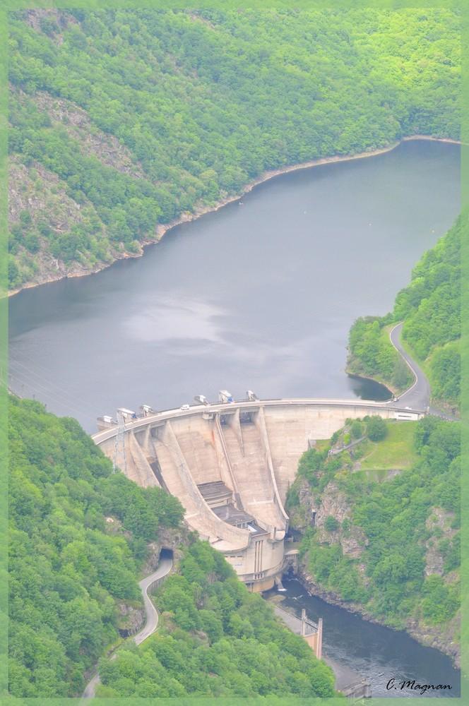 barrage de l'aigle vue du ciel (correze)