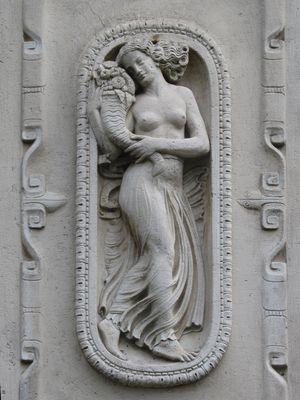 Bas-relief mit Cornucopia