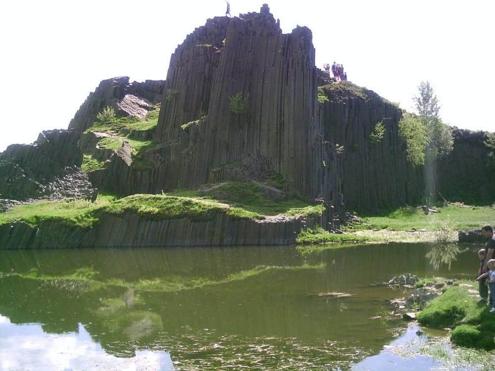 Basaltfelsen in der Tschechien