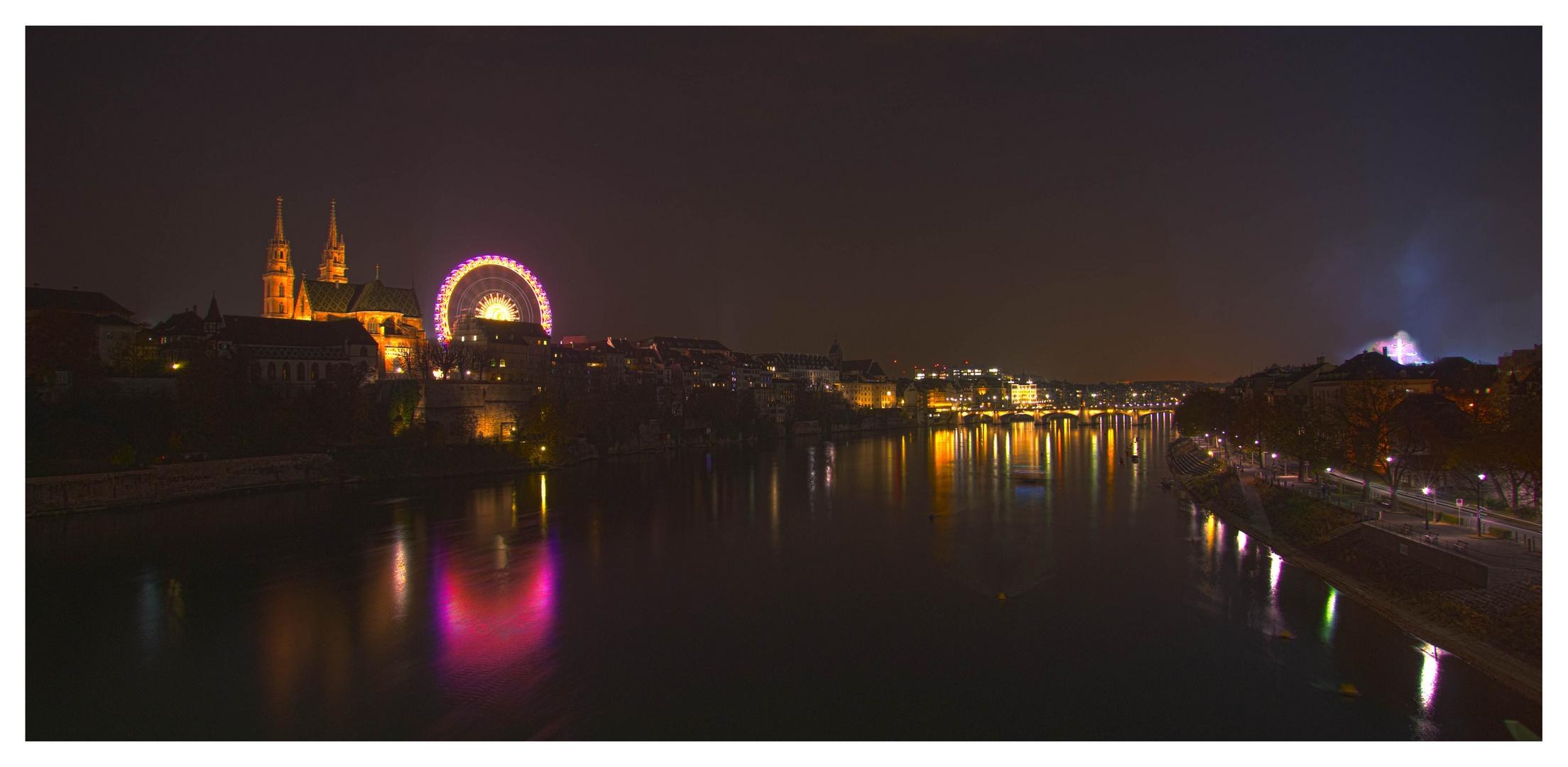 Basel bei Nacht an der Herbstmesse