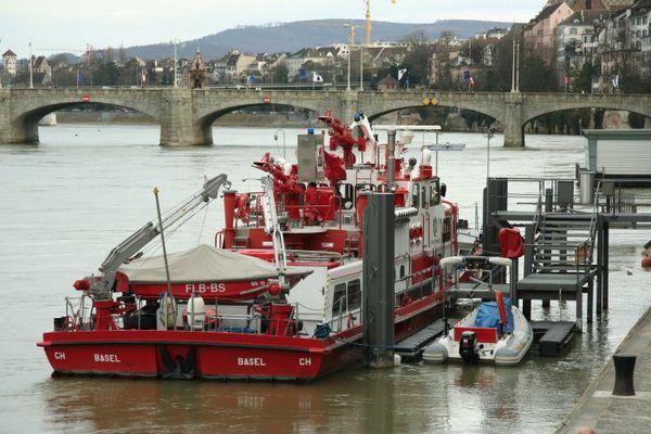 Basels schwimmende Rheinfeuerlöscher