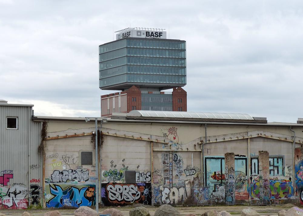 basf hochhaus in berlin friedrichshain foto bild deutschland europe berlin bilder auf. Black Bedroom Furniture Sets. Home Design Ideas