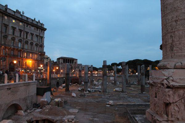 Basilica Ulpia di sera