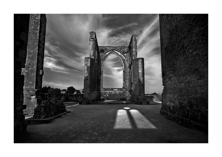 Basilique en ruine