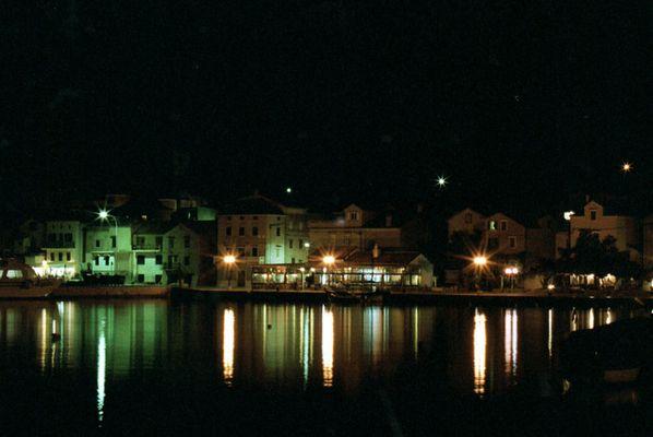 Baska bei Nacht
