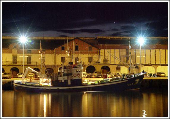 Baskenland - Hafen von Getaria bei Nacht II