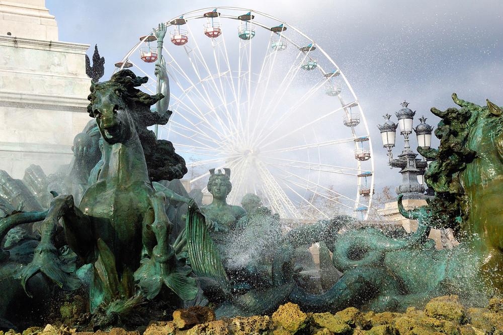 Bassin du Monument aux Girondins et Grande roue de la foire aux plaisirs