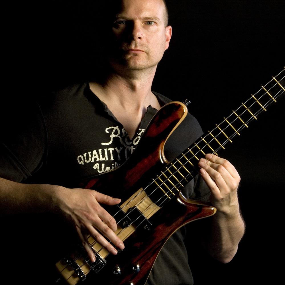 Bassist-3