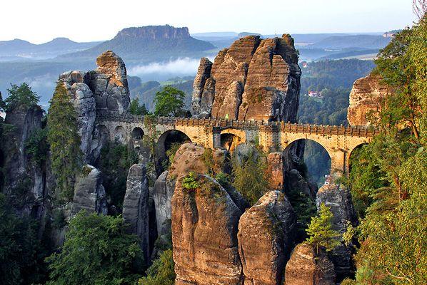 Basteibrücke , die eines der 7 Desktophintergrundbilder für Windows 7 wird...