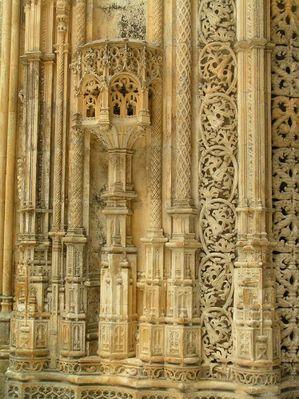 Batalha - Auflösung der Architektur zu einem Netz Organischer und geometrischer formen