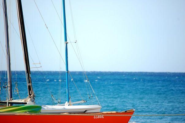 bateau sur fond de mer