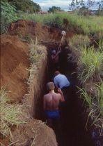 """Bau des """"Refugio"""" für Druckereimitarbeiter, Managua 1984"""
