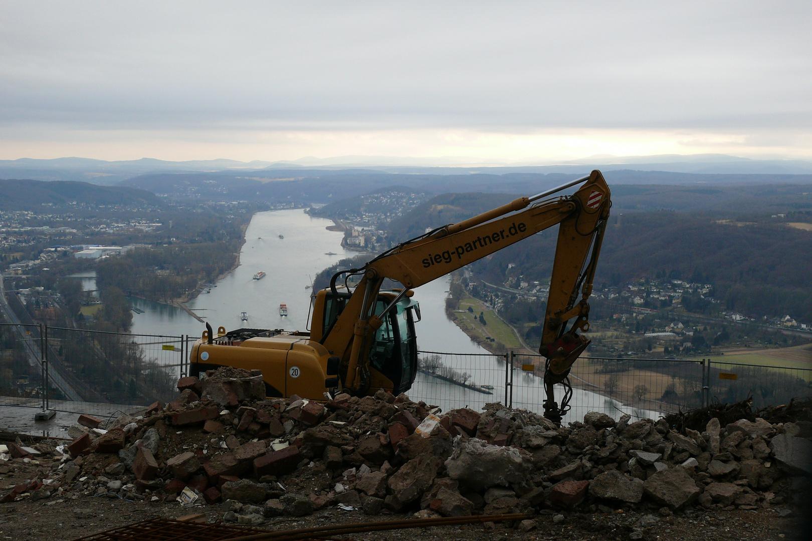 Bauarbeiten auf dem Drachenfels