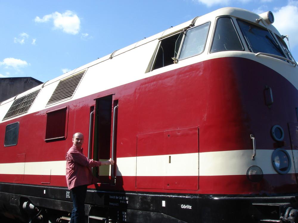 Baureihe 118,der DDR-Reichsbahn. Der Käpt`n Geht an Bord.