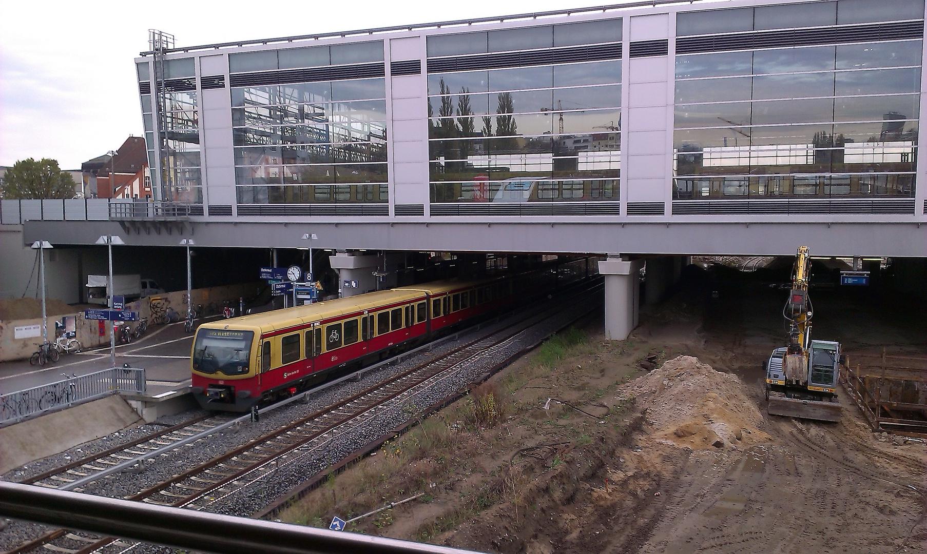 Baustelle S-Bahnhof Ostkreuz - stadteinwärts fahrende S-Bahn