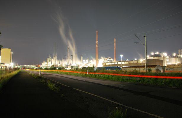 Bayer Dormagen bei Nacht