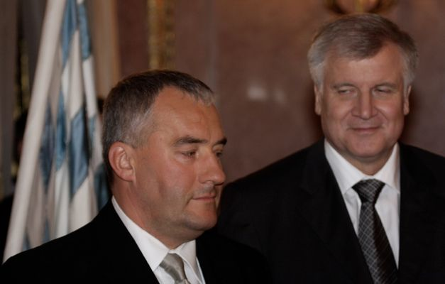 bayerischer Ministerpräsident Seehofer mit Kultusminister Spänle