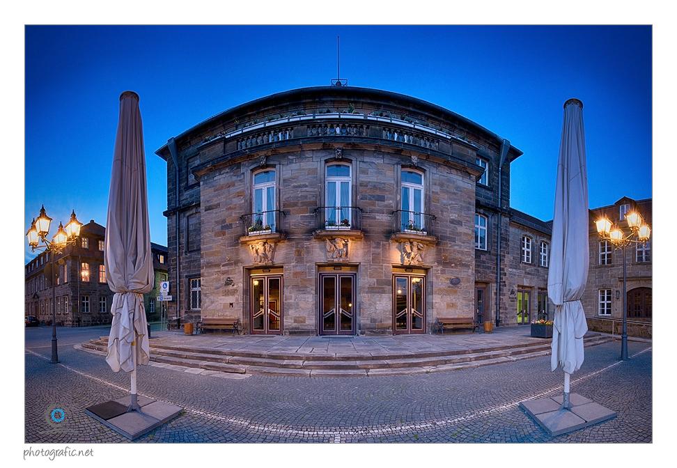 Bayreuth | Stadthalle bei Nacht