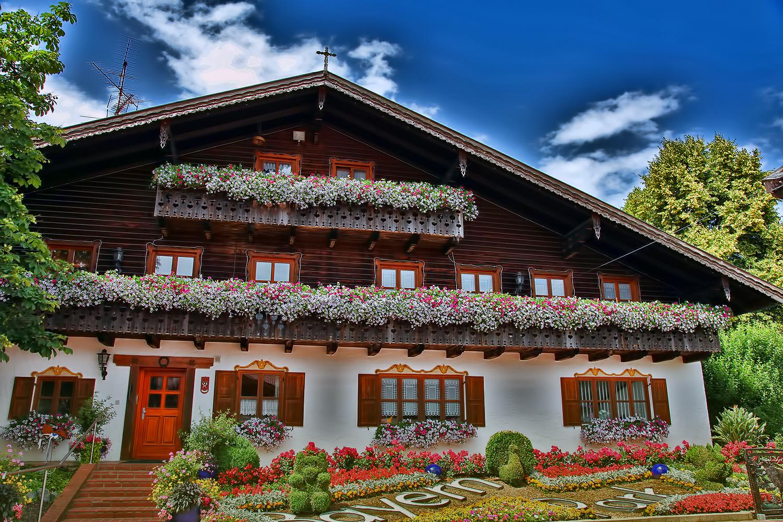 Bayrisches haus foto bild architektur l ndliche for Haus foto