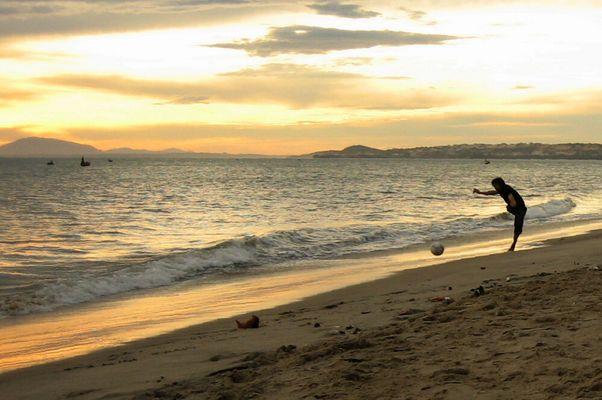 Beach-Kick Vietnam I