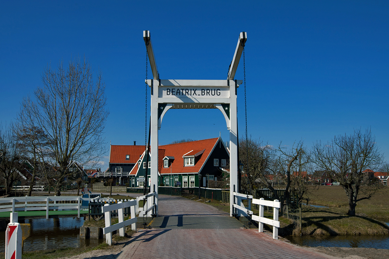 Beatrixbrug - Marken