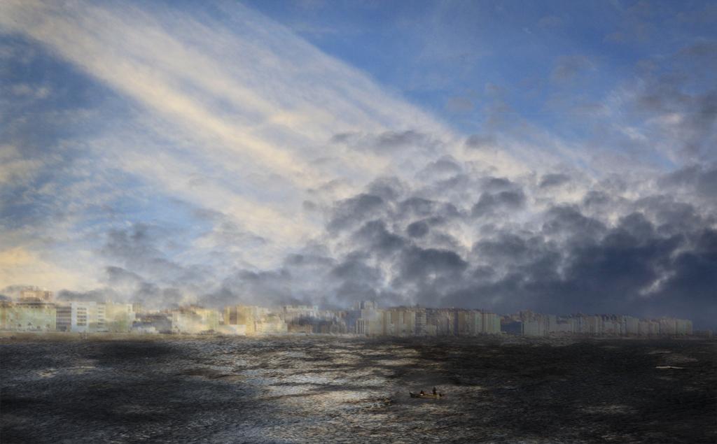 Bedrohende Wolken über der Skyline von Cádiz