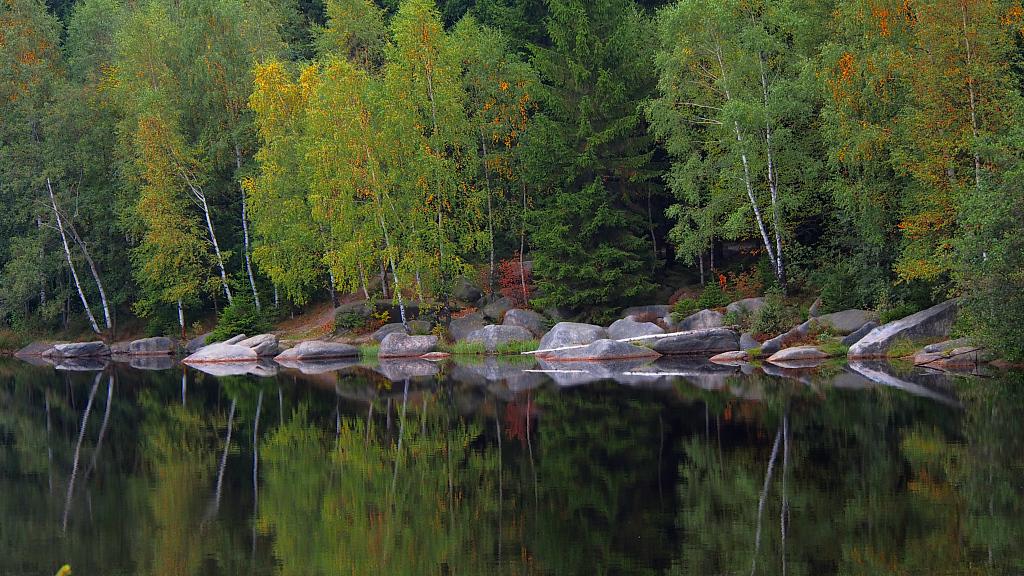 beginnender Herbst am Fichtelsee